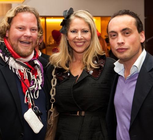 Avantgarde en Glamour zijn ook vertegenwoordigd met de groote Mulberry man op rechts