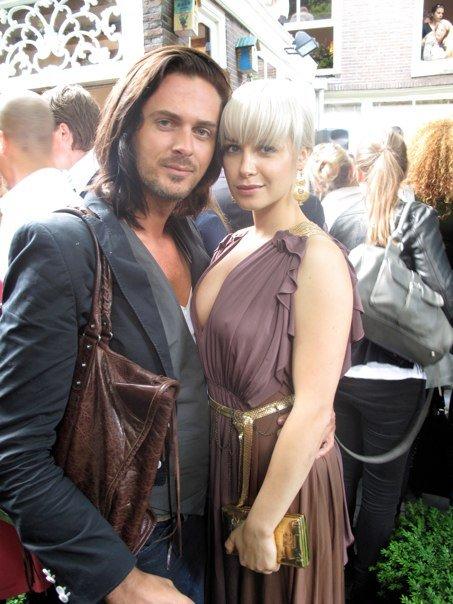 Thijs met Victoria Koblenco hier in het gezelshap van een belanciaga tas