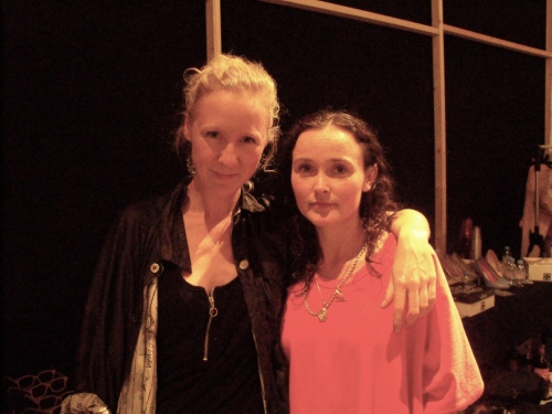 Backstage ontwerpersduoKim Leemans en Merel Wicker