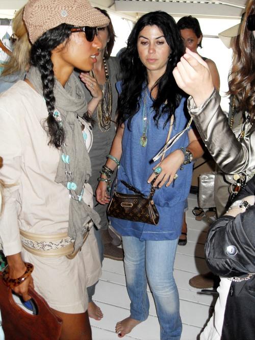 Graziella en actrice Georgina Kwakye in Disney Couture