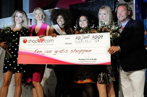 Miss shopVIP jury Maria Kooistra, Anouk Smulders, Robin Knitter, Michou Basu, Hilmar Mulder en Bastiaan van Schaik